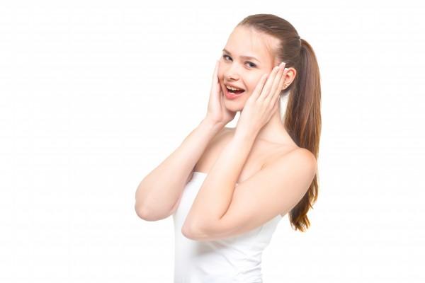 女性の前頭部(生え際)の薄毛を改善する方法!効果的なやり方とは?