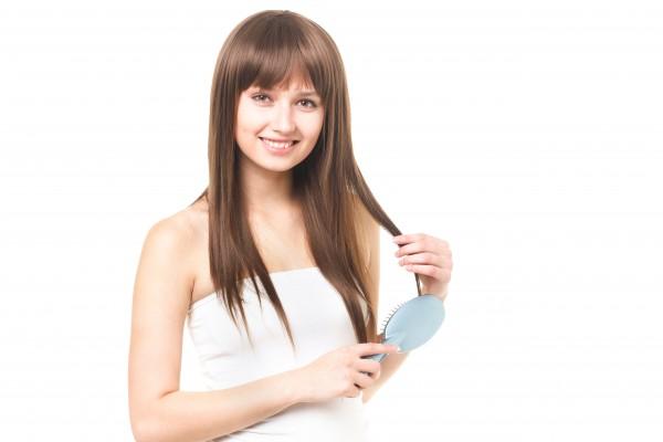 薄毛対策には女性ホルモンを増やす事が効果的です!抜け毛の原因を減らす
